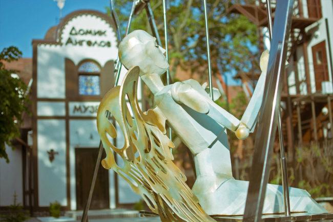 Куда улетел Ангел с Памятника «Ангельские качели»?!