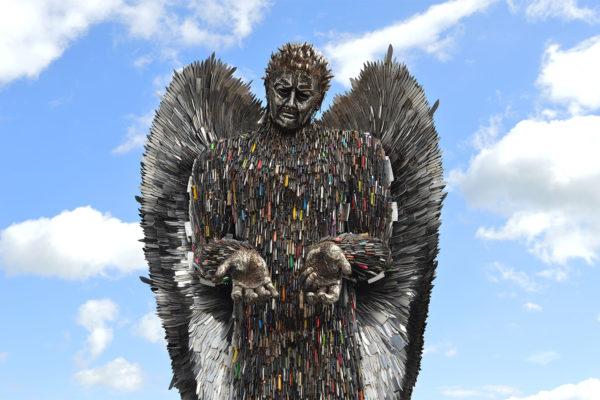 Уникальный «Ангел из ножей»